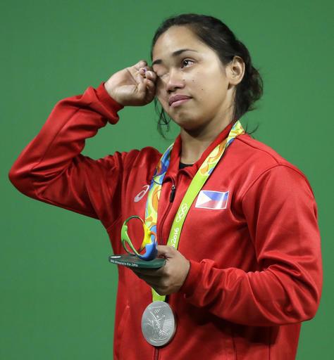 Hidilyn Diaz wins Olympic Medal
